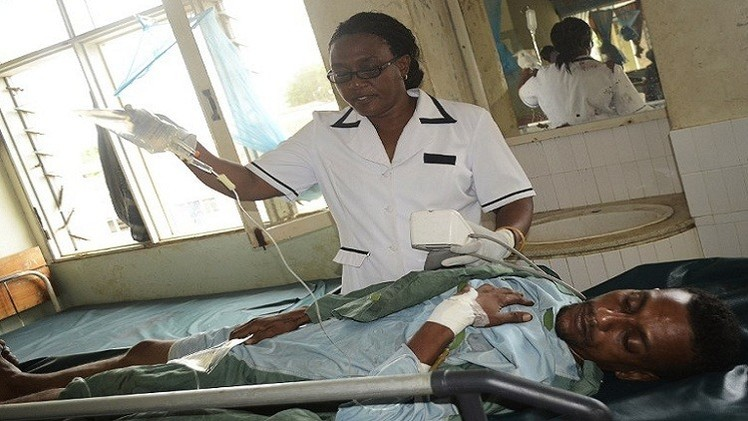 قتيل و12 جريحا بهجوم على حانة في كينيا