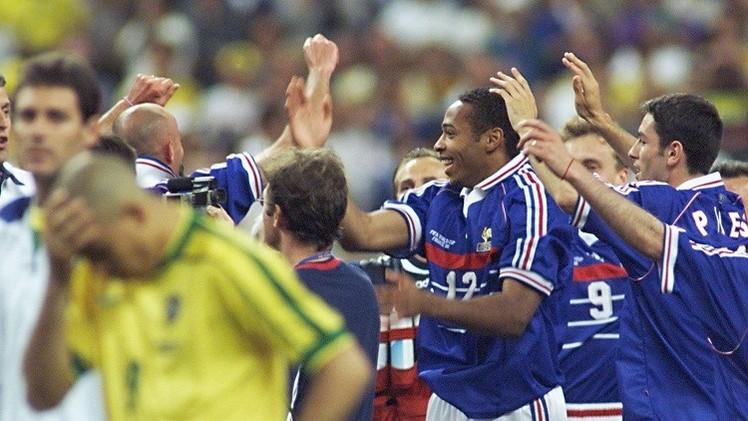 فرنسا تلاقي البرازيل في نسخة معادة من نهائي مونديال 98