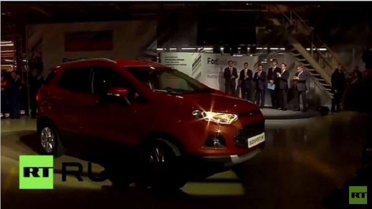 دميتري مدفيديف يدشن مصنعا لإنتاج سيارات فورد بروسيا (فيديو)