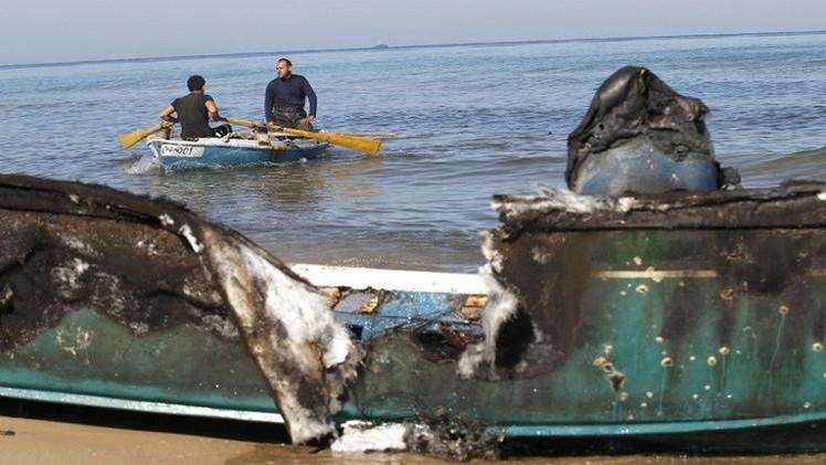 البحرية الإسرائيلية تقنص صيادا فلسطينيا  بقذيفة في بحر غزة
