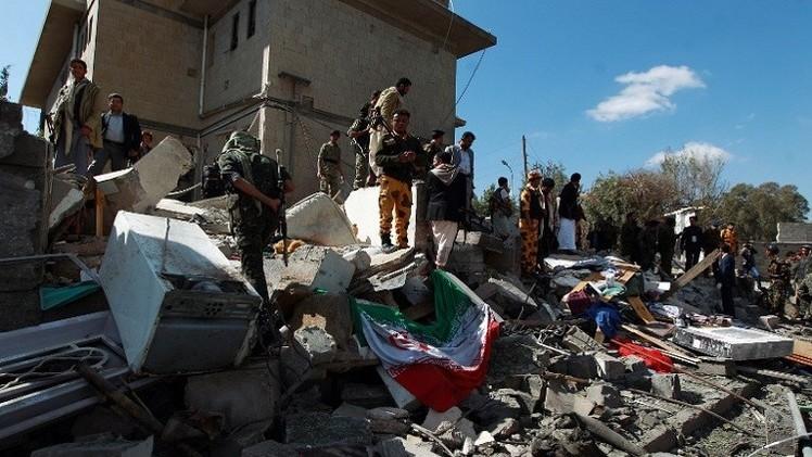 القاعدة تتبنى تفجير استهدف منزل السفير الإيراني في صنعاء
