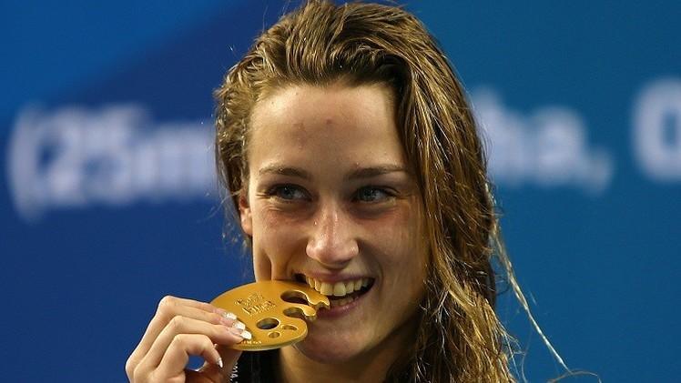 السباحة الإسبانية بيلمونتي تحطم الرقم القياسي لـ 200 فراشة