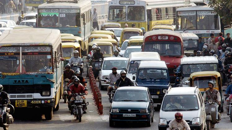 محكمة هندية تحظر سير المركبات القديمة في نيودلهي