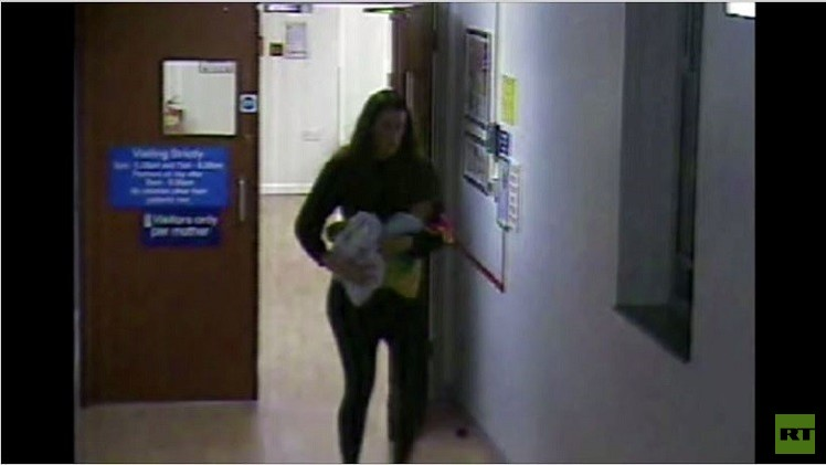 الكاميرا تلتقط الأم البريطانية المفقودة وهي تغادر المستشفى سرا بعد الولادة (فيديو)