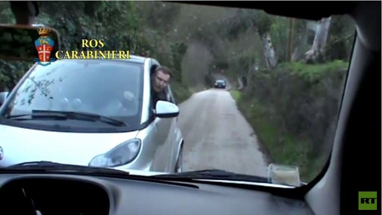 بالفيديو من إيطاليا.. شاهد لحظة اعتقال أحد أخطر زعماء المافيا