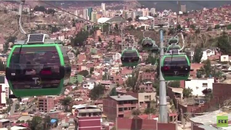 بالفيديو من بوليفيا.. موراليس يفتتح أعلى تلفريك للمناطق الحضرية في العالم