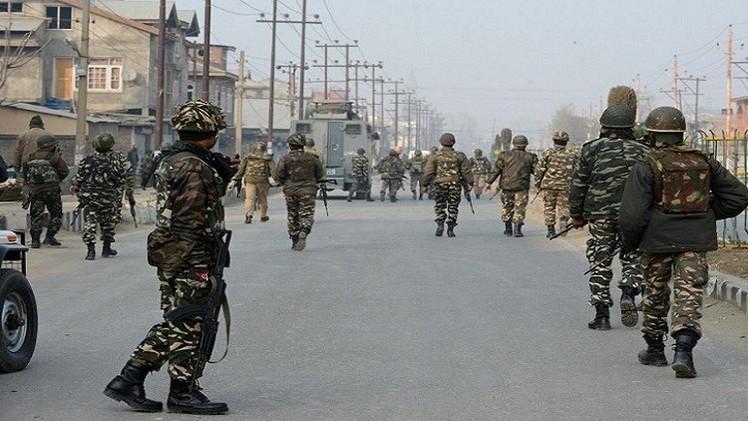 17قتيلا في هجوم على ثكنة للجيش الهندي