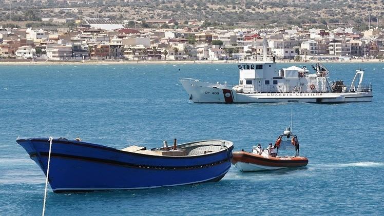 إيطاليا: مصرع 18 مهاجرا قبالة جزيرة لامبيدوزا