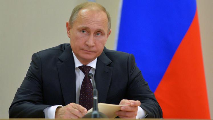 بوتين يوعز باتخاذ تدابير لمواجهة المضاربة في سوق العملة