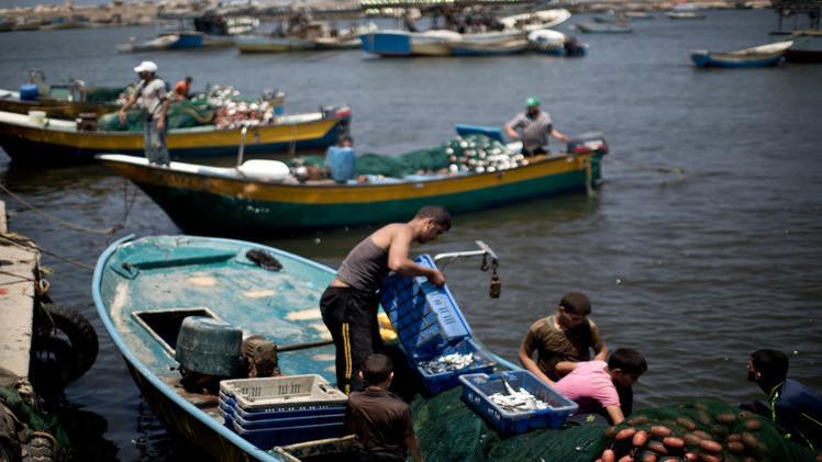 البحرية الإسرائيلية تطلق النار على صيادين في بحر غزة