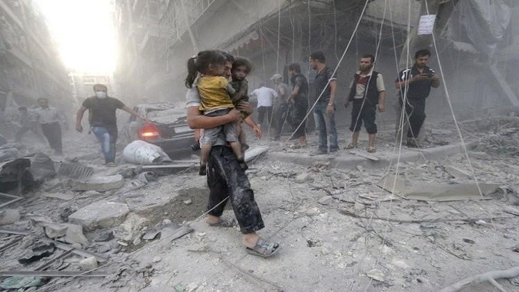 احتدام الاشتباكات بين القوات السورية والمعارضة في حلب ومقتل 3 صحفيين بدرعا