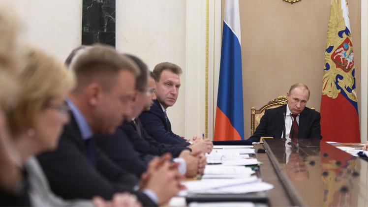 بوتين يطالب الحكومة بكبح جماح الأسعار في روسيا