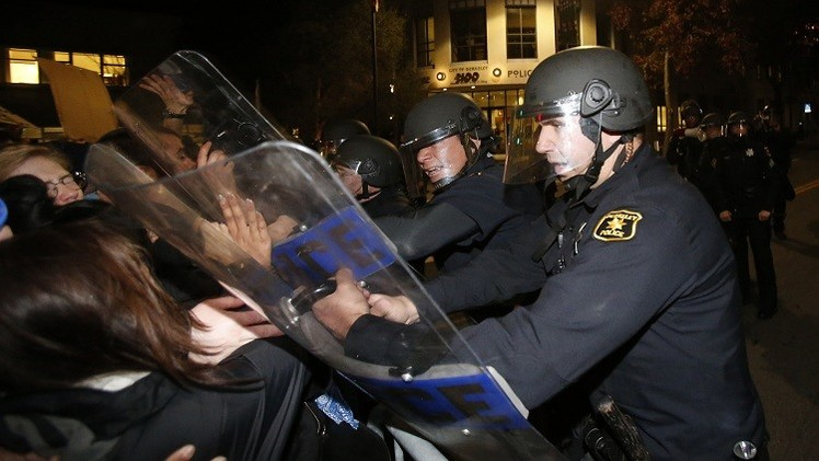 الشرطة الأمريكية تعتقل 232 شخصا بولاية كاليفورنيا خلال يومين