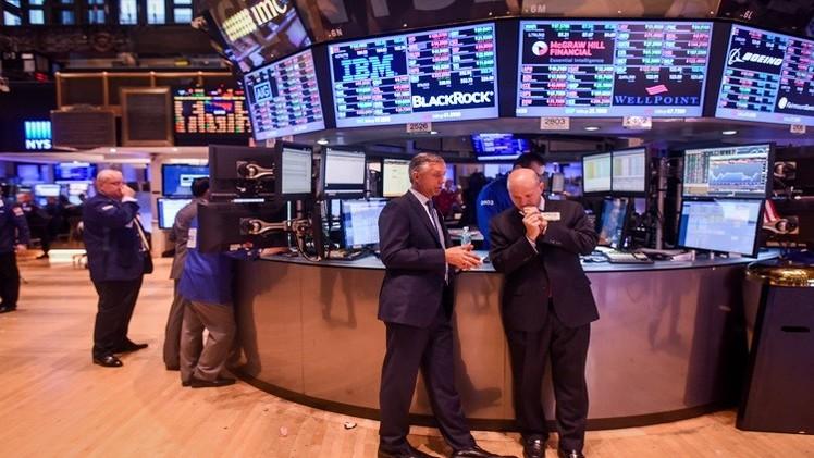 الأسهم الأمريكية تواصل خسائرها بعد خفض أوبك توقعات الطلب على النفط