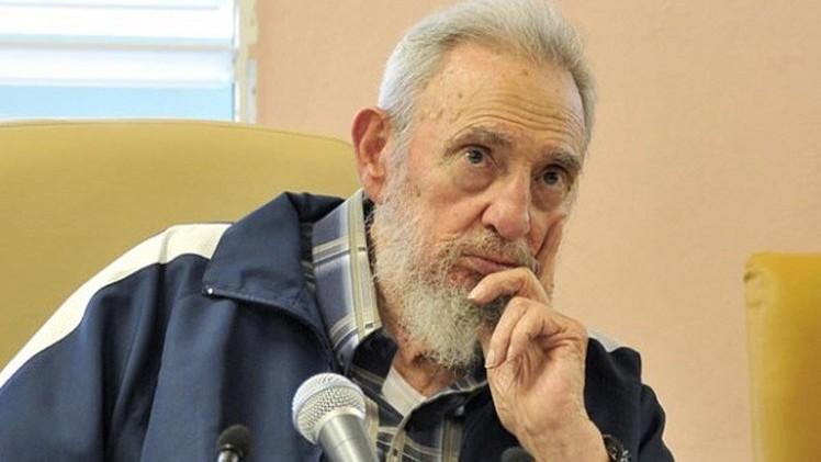 فيديل كاسترو يحصل على جائزة كونفشيوس للسلام