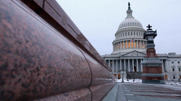 الشيوخ الأمريكي يفرض قيودا على شركات روسية ويعتمد مشروع قرار لتسليح كييف