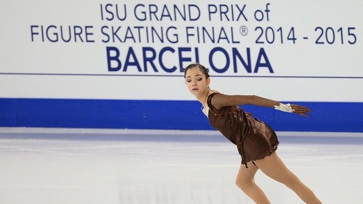 الروسية ميدفيدفا تتوج بذهبية برشلونة للتزحلق الفني على الجليد للشابات