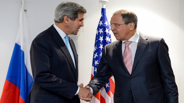 لافروف وكيري يناقشان التطورات الأخيرة في الشرق الأوسط