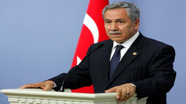الحكومة التركية تعلن رغبتها بتحسين العلاقات مع العرب