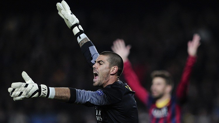 مانشستر يونايتد يضم حارس برشلونة السابق فالديز