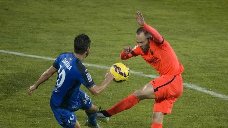 خيتافي يواصل إثارة المشاكل أمام برشلونة في الليغا