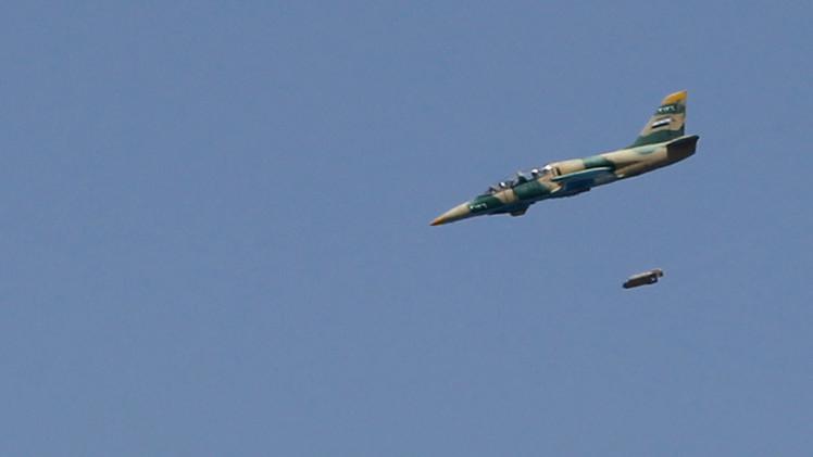 الطيران السوري وطيران التحالف يغيران على مطار يحتله