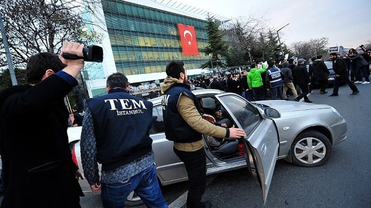 الاتحاد الأوروبي يدين حملة مداهمات الأمن لوسائل إعلام تركية