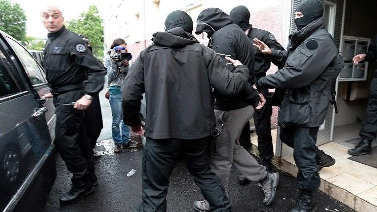 تفكيك خلية لتجنيد الجهاديين في فرنسا