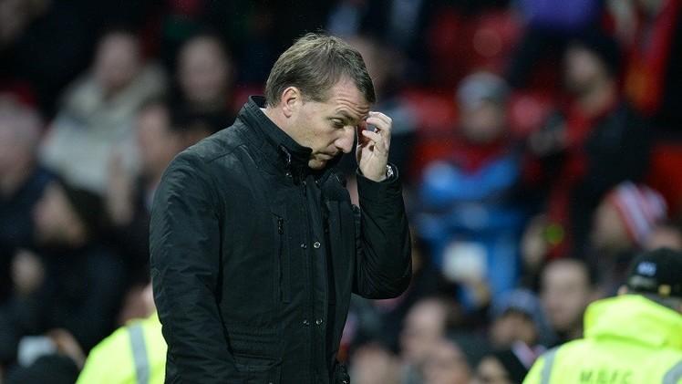 ليفربول يبحث عن حلول بعد الهزيمة من مانشستر يونايتد