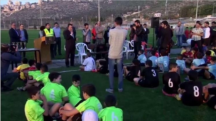 بالفيديو.. أطفال فلسطينيون وإسرائيليون في بطولة حيفا بمناسبة الذكرى الـ 100 لهدنة عيد الميلاد.