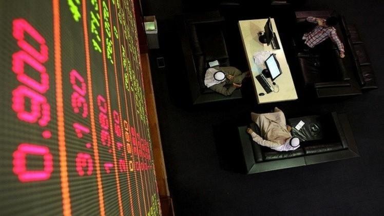 الأسواق الخليجية تتراجع مع استمرار تراجع النفط