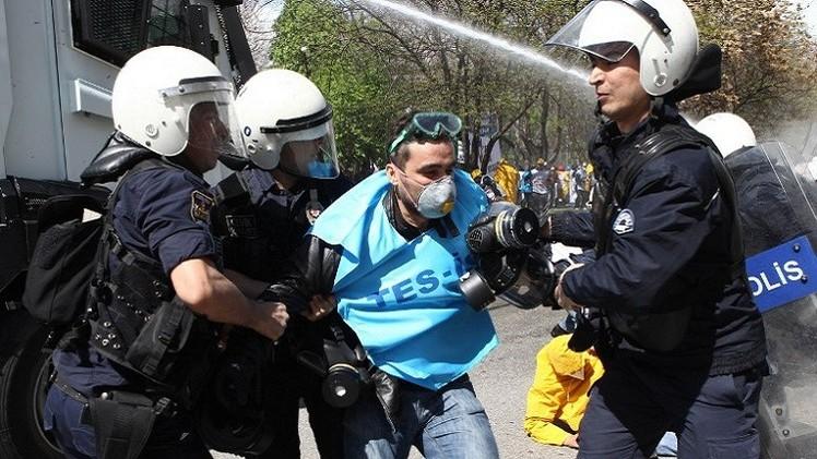 المعارضة التركية تطعن في قانون يوسع صلاحيات الشرطة