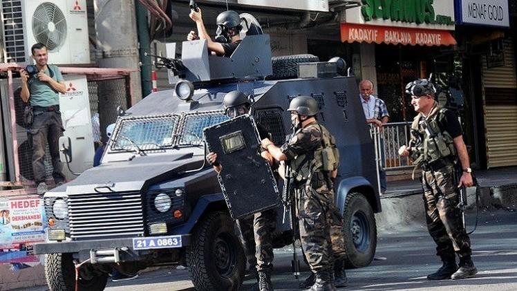 مقتل شاب في اشتباكات بين الشرطة ومسلحين في تركيا