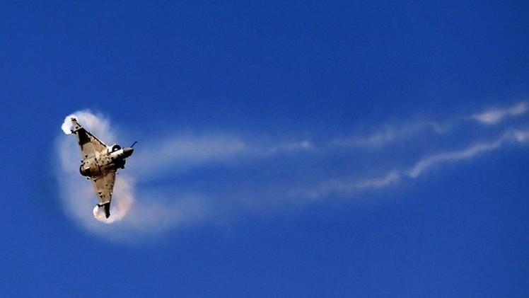 تحطم طائرة عسكرية إماراتية ومصرع طاقمها