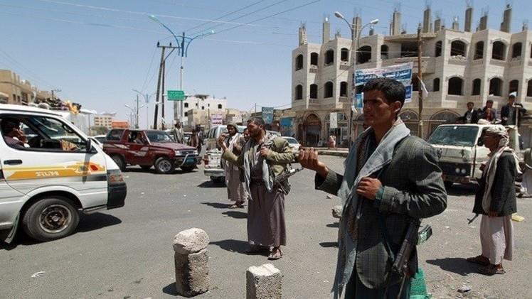 اليمن.. عرض عسكري لرجال القبائل يؤجج التوتر في مأرب