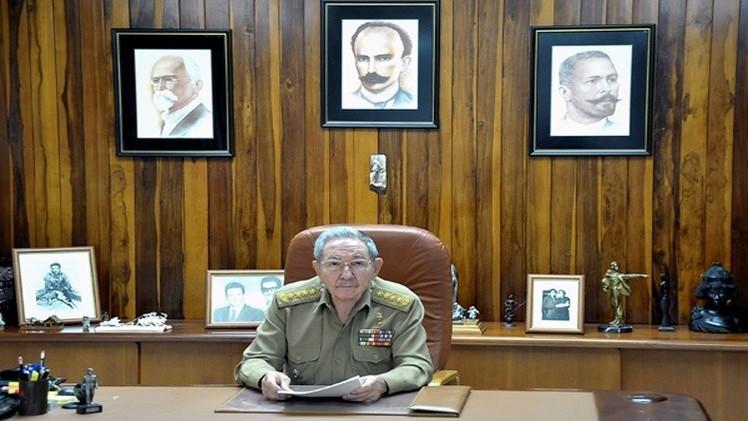 كاسترو يؤكد أولوية الاقتصاد واشتراكية كوبا