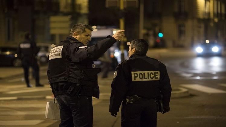 هولاند يدعو أجهزة الدولة إلى اليقظة إثر حادث دهس في فرنسا