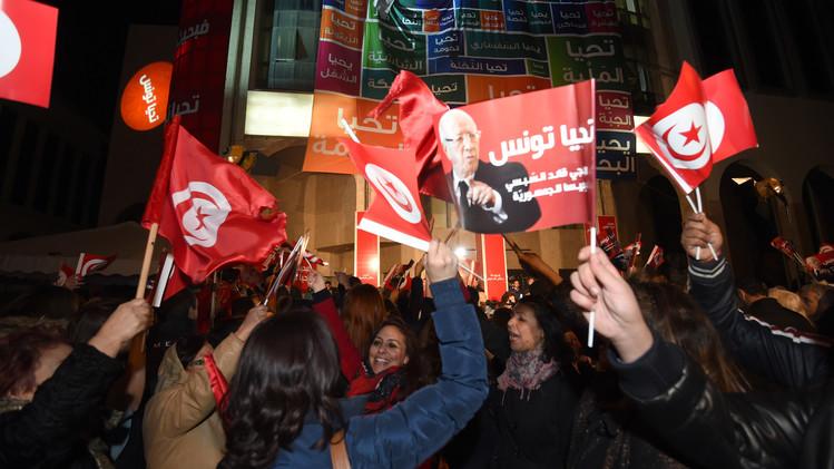 التونسيون ينتخبون رئيسهم في جولة الإعادة