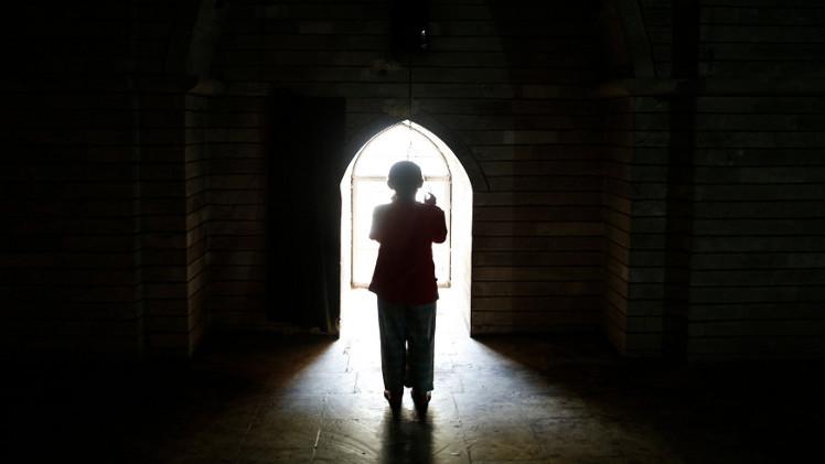 العفو الدولية: الإيزيديات ينتحرن كي لايعبث داعش بأجسادهن