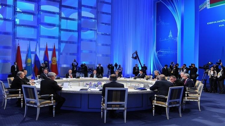 بوتين يوقع قانون انضمام أرمينيا إلى الاتحاد الاقتصادي الأوراسي