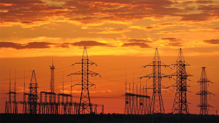 روسيا تبرم عقدا لتوريد الكهرباء من أوكرانيا إلى شبه جزيرة القرم