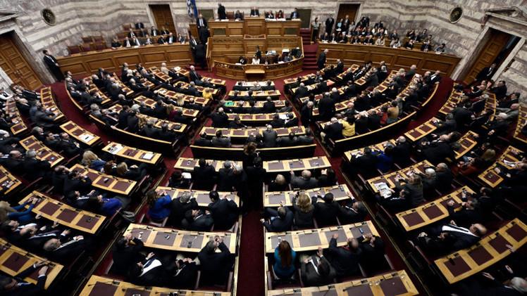 الرئيس اليوناني يفشل للمرة الثانية بنيل ثقة البرلمان