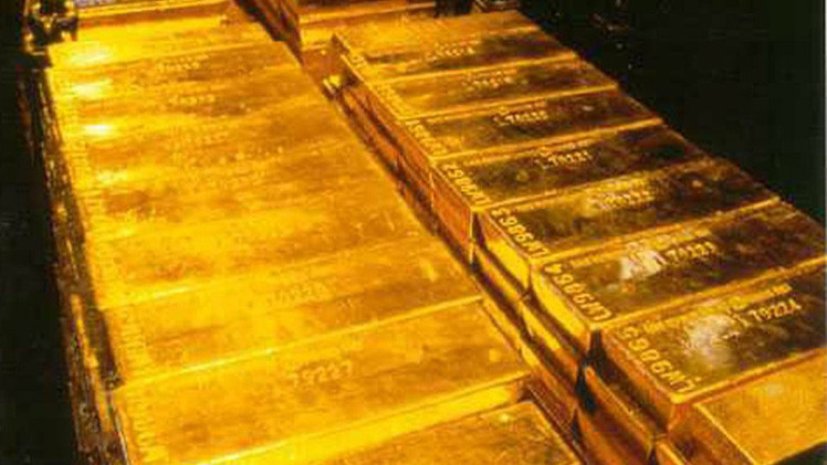 روسيا تزيد احتياطاتها من الذهب للشهر الثامن على التوالي
