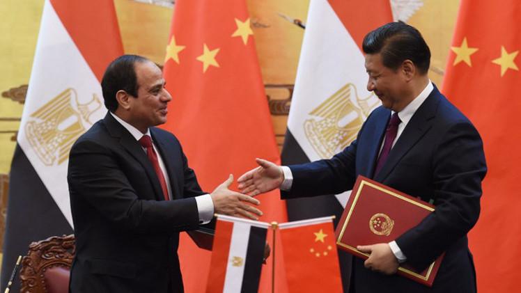السيسي يدعو المصريين إلى مواجهة التحديات الهائلة داخليا وخارجيا