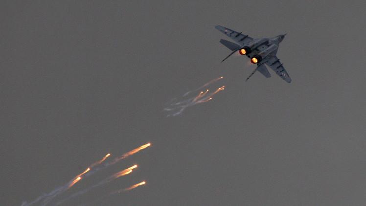 أنطونوف: الناتو يدرب الطيارين البولنديين على استخدام أسلحة نووية