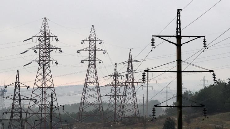 عودة الكهرباء إلى القرم بعد قطع كامل من أوكرانيا