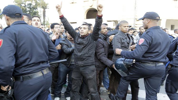 نحو 100 مصاب في مواجهات بين الشرطة المغربية وطلبة في وجدة