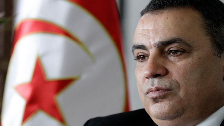 مهدي جمعة يتوعد بالرد الحازم على احتجاجات في تونس