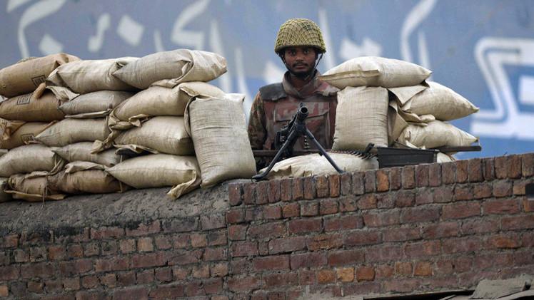 باكستان بصدد إقامة محاكم عسكرية لقضايا الإرهاب