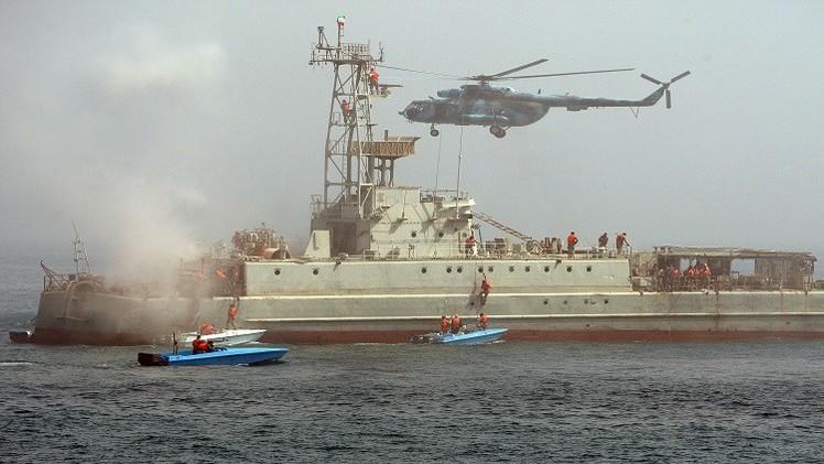 إيران تستعرض قوتها العسكرية قرب هرمز